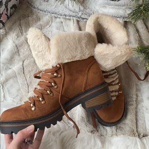 New fur lined brown boots